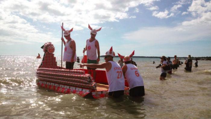 В Австралии прошла регата на лодках из пивных банок
