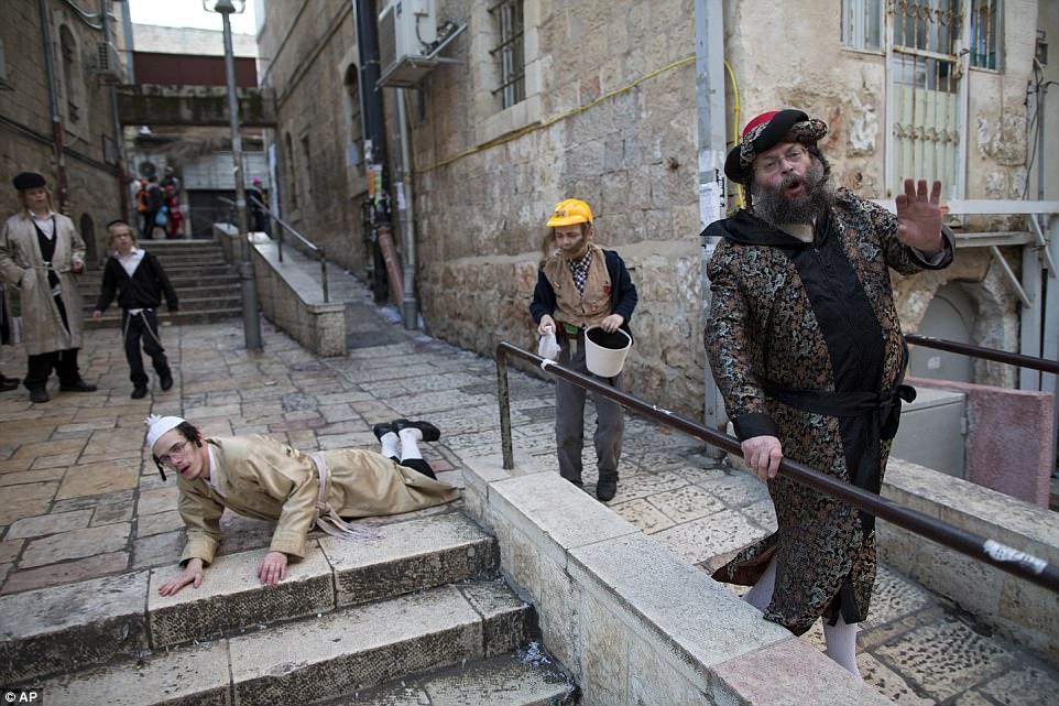 Абсолютный мазл тов: как евреи в Иерусалиме Пурим отмечали