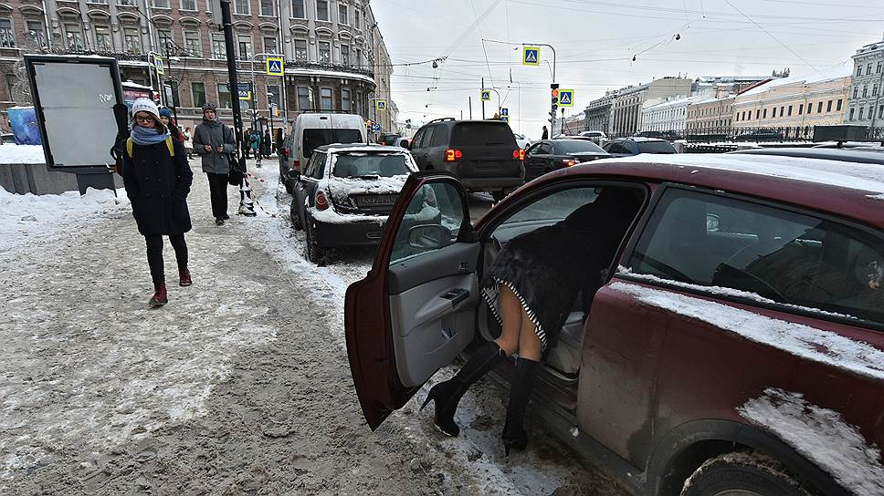 Питер тоже обложили штрафами за неоплату парковки