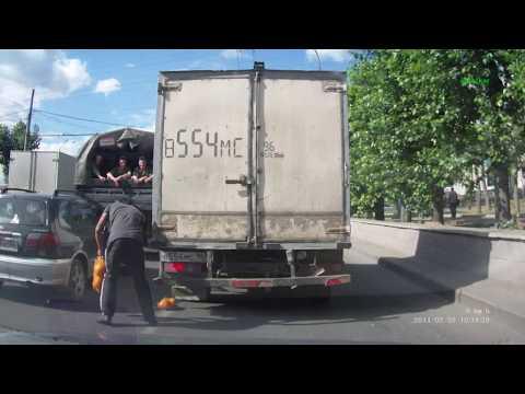 Презенты солдатам в грузовике