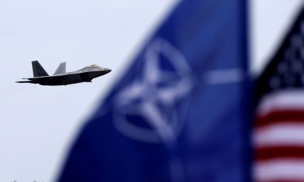 """""""Война винтовки против лазера"""" - аналитик Пентагона рассказал, как НАТО разгромит РФ"""