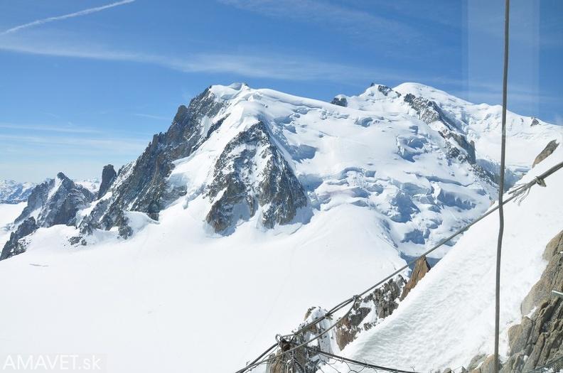 Российские лыжники упали в расселину в горах Монблана