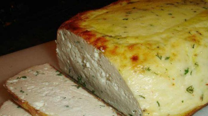 Сыр домашний, запеченный в духовке. Получается такая вкуснятина!
