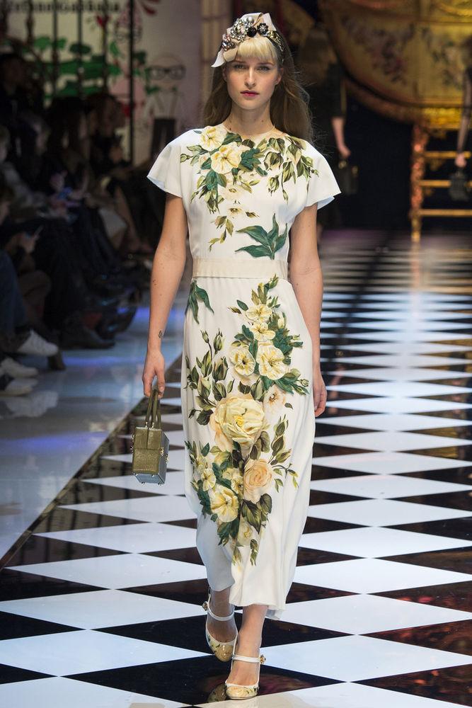 Экстравагантные принты, роскошные ткани, обилие ярких аксессуаров в коллекции Dolce&Gabbana осень-зима 2016/2017