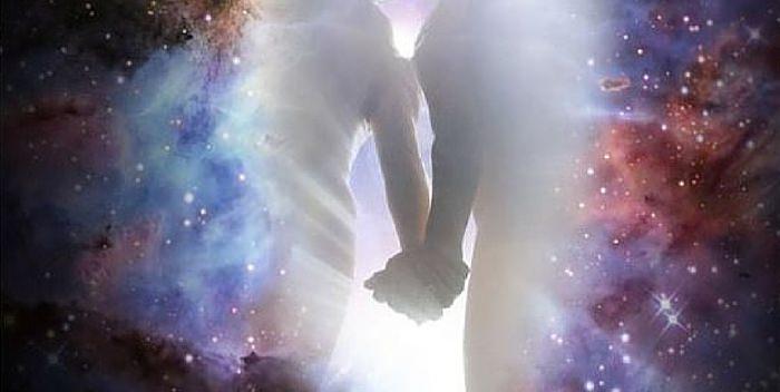 11 ПРИЗНАКОВ ТОГО, ЧТО ВАМ ПОВСТРЕЧАЛАСЬ ЛЮБОВЬ ИЗ ПРОШЛОЙ ЖИЗНИ