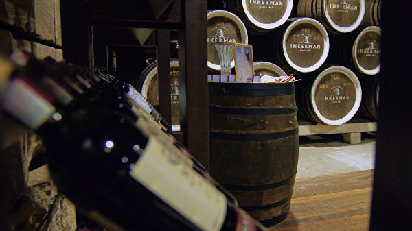 И пару порций крепленого: Российские вина предложили приравнять к продуктам питания