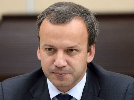 """Неприятный прогноз вице-премьера Дворковича: Нефть может разорить последнюю """"кубышку"""" России"""