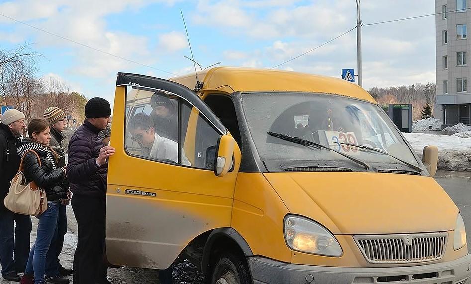 Двое парней сели в транспорт без денег и решили расплатиться за проезд кое-чем другим