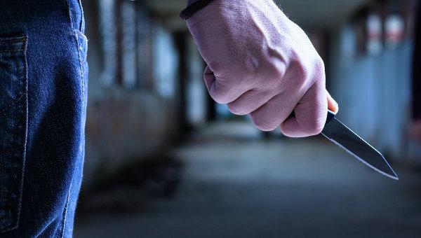 Мужчина захватил заложника и угрожает взорвать дом на юге Москвы