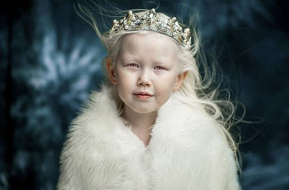 «Фарфоровая» девочка прославила Якутию в интернете
