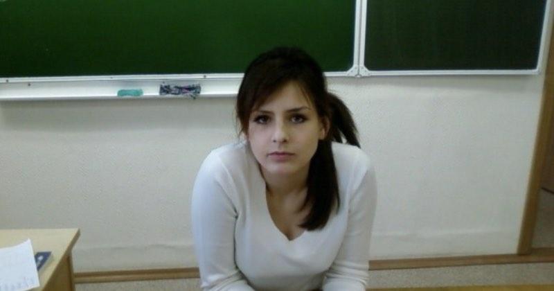 Сижу, принимаю экзамен. Непростое это дело – принимать экзамен. Особенно – у девушек.