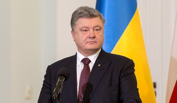 Испуганный Порошенко заявил о скорой войне с Россией
