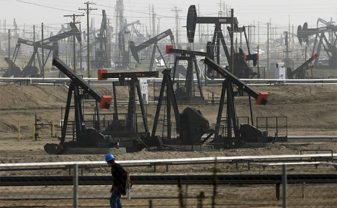 """Россия ждала, что """"сланцевые акулы"""" подавятся дешевой нефтью, и сама пострадала"""