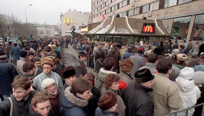 Открытие первого Макдональдса в СССР — вспомним, что там творилось 27 лет назад?
