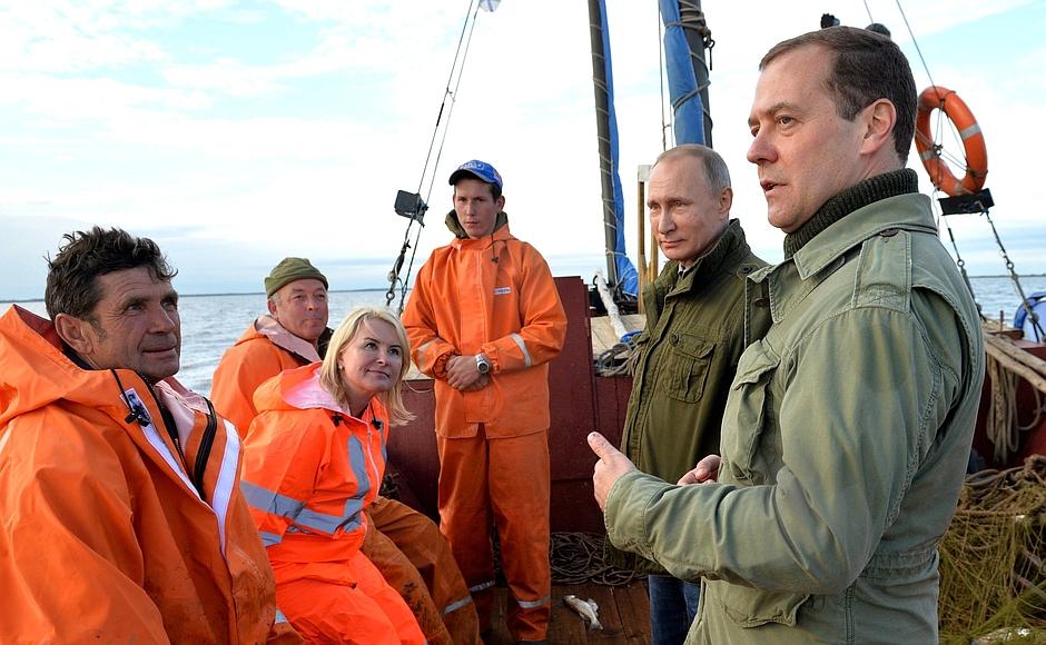 Путин и Медведев решили провести выходные в Новгородской области