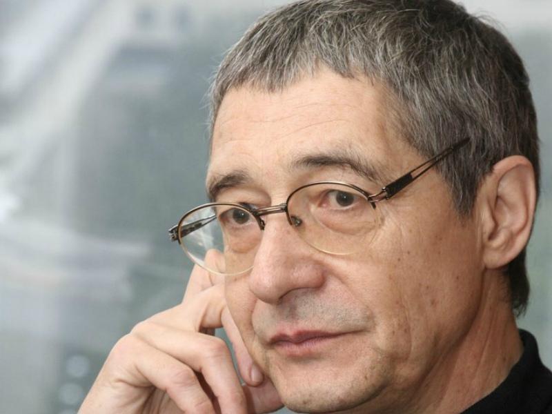 Михаил Осокин: Деньги исчезают, а кризис остается