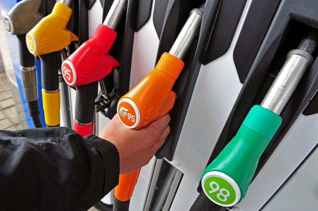А вы уверены, что в вашем регионе топливные операторы честно выдают оплаченное количество литров?