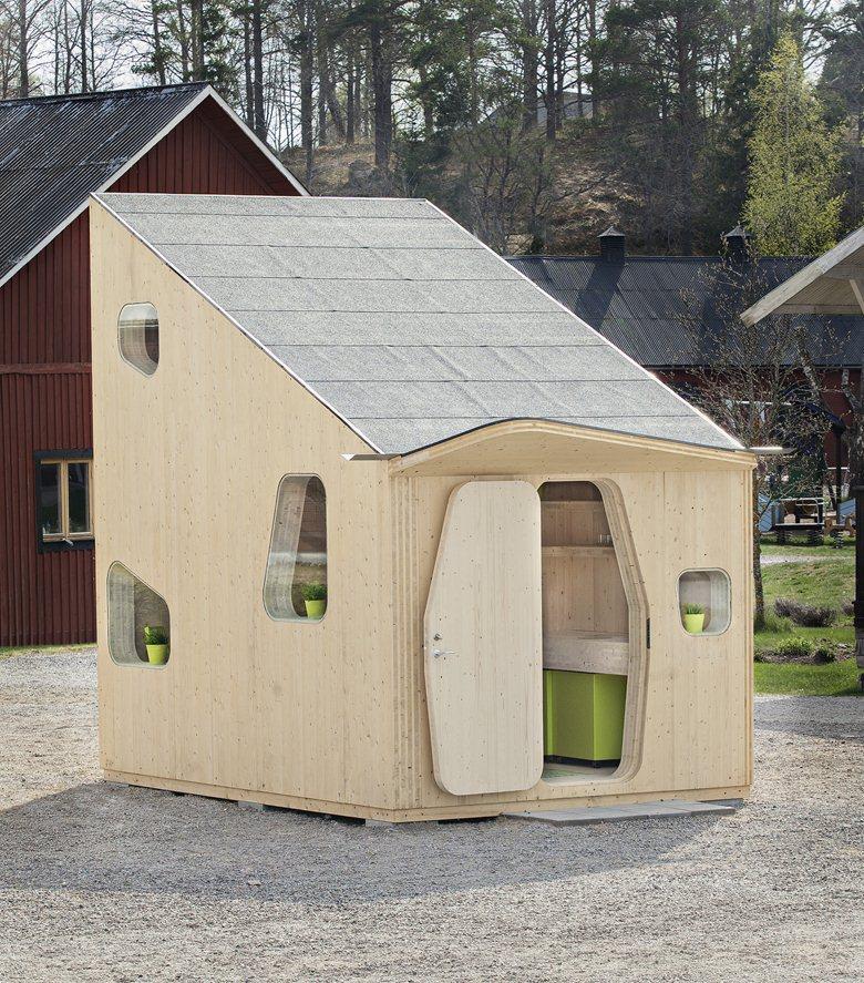 А вам интересно ,что находится внутри уютного домика  площадью 10 кв.м?