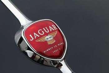 Новый суперкар Jaguar сможет разогнаться до 322 км в час