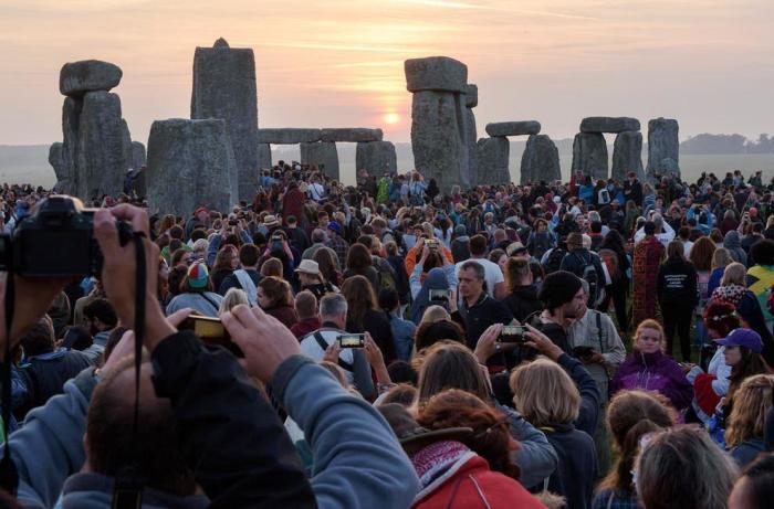 Стоунхендж хоть и считается достопримечательностью Англии, но разочаровал большинство туристов. | Фото: hshabahang.blogsky.com.
