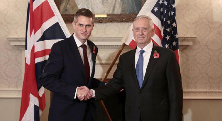 «Растущую самоуверенность» России обсудили министры обороны США и Великобритании