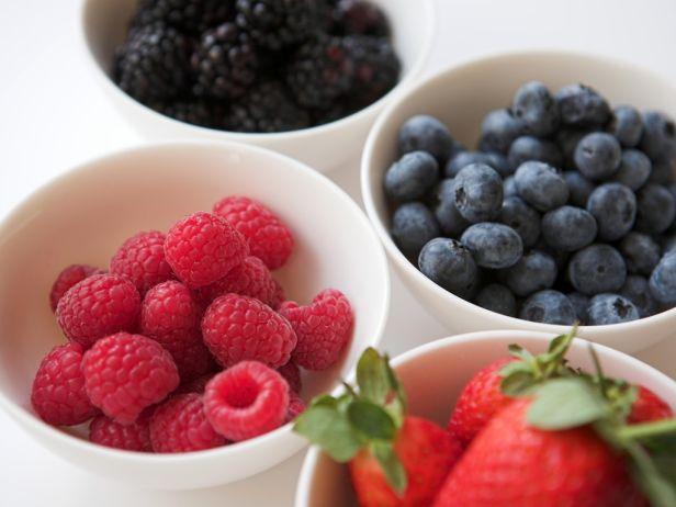 8 продуктов, которым противопоказан холодильник