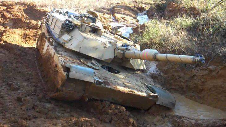 Почему западные танки и САУ такие?