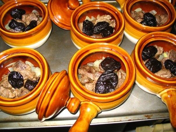 16 рецептов блюд в горшочках