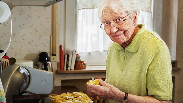 Медики уличили бабушек в пагубном влиянии на здоровье их внуков