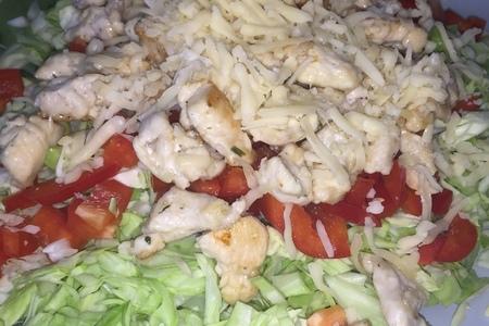 Фото к рецепту: Салат из капусты .очень простой рецепт.