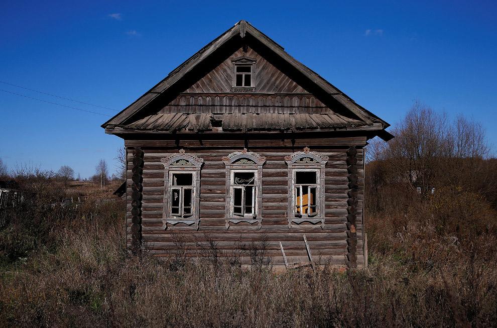 В России деревни умирают. Заброшенные дома в Ярославской области
