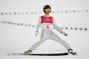 Четыре россиянина вышли в финал ОИ по прыжкам на лыжах с большого трамплина