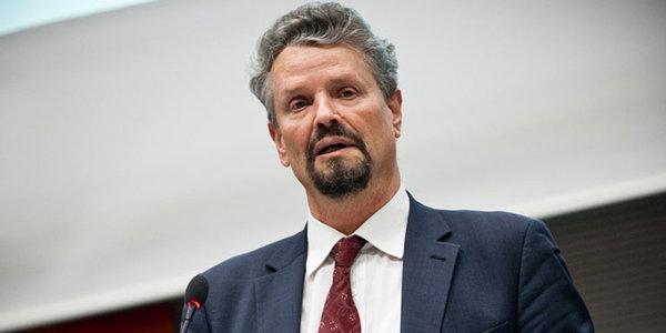 Немецкий политик: «хаос» в Америке мешает Западу «образумить» Россию