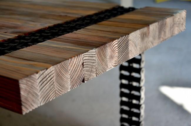 В современном дизайне одним из модных материалов, используемых в отделке любых по предназначению помещений, является состаренное дерево