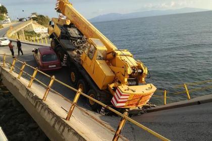 В Греции рухнул мост