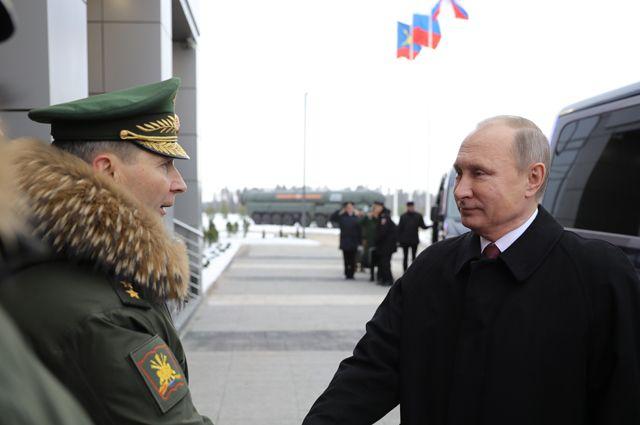 Путин изменил армейскую ответную фразу на благодарность командира