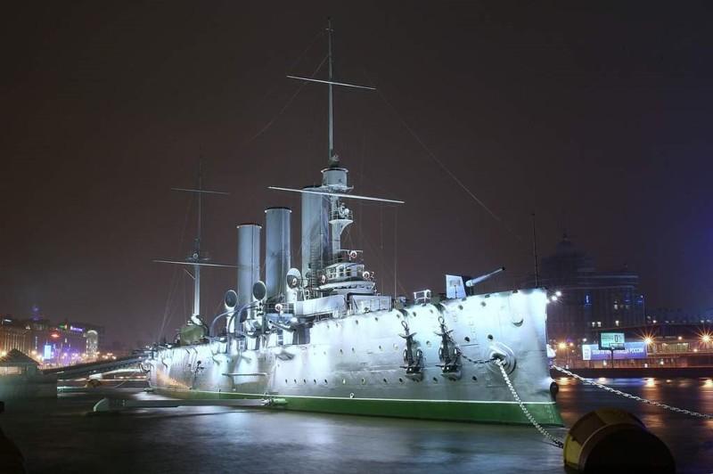 Выживший при Цусиме. История крейсера «Аврора»