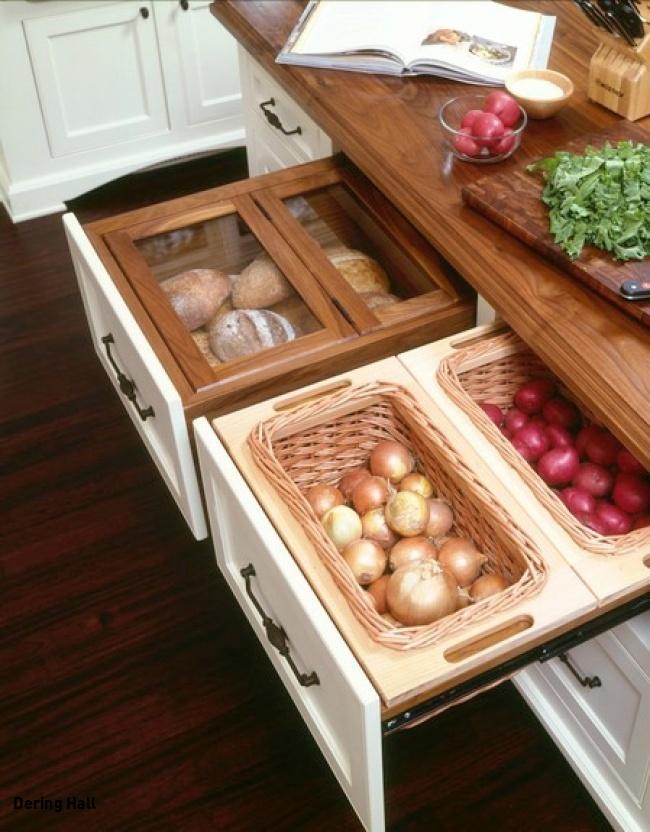 Лук и картофель — по разным ящикам