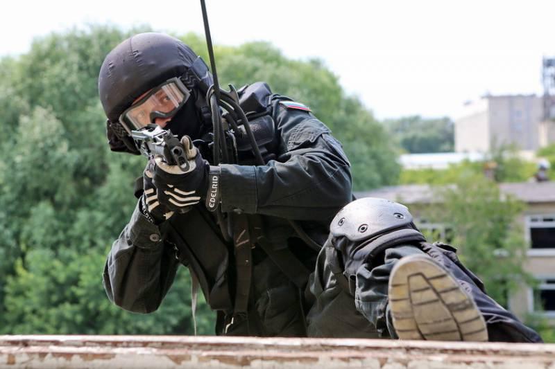 Высотно-штурмовая подготовка сотрудников СОБР «Кречет»