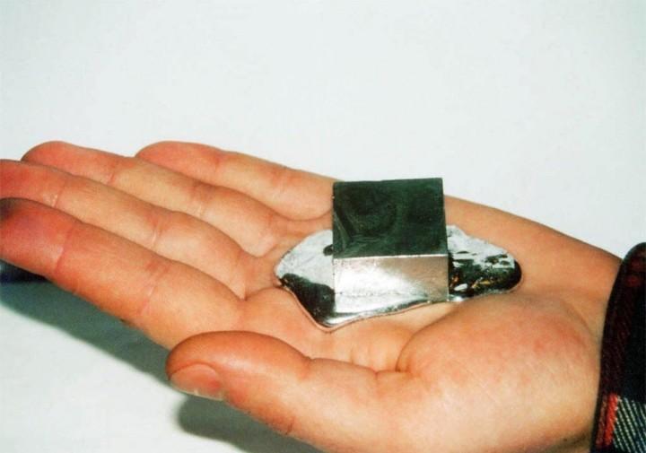 gallium03 Галлий   редкий метал, который тает в руках