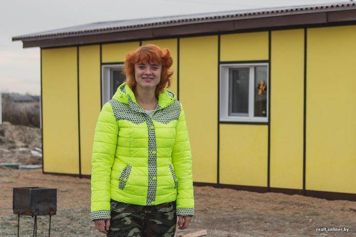 Девушка превратила строительный вагончик в мини -дом, где будет жить круглый год