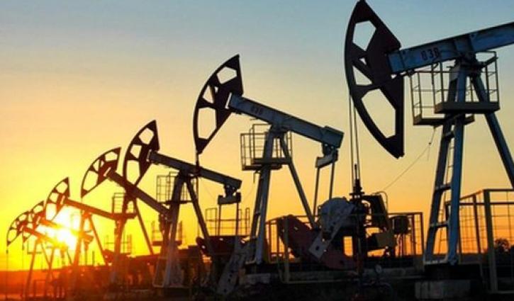 Цена барреля нефти Brent упала ниже $50 впервые с ноября 2016 года