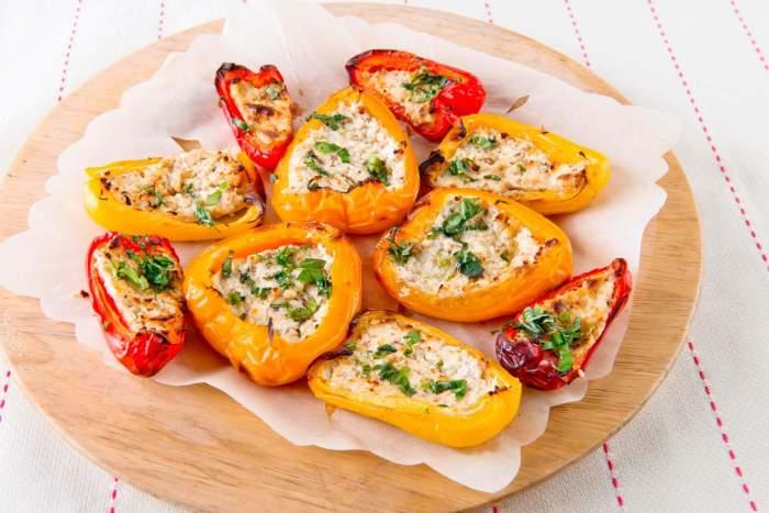 Запечённый перец с творогом и орехами.  Фото: kulinario.me.