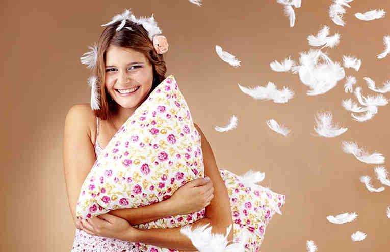 Как правильно стирать перьевые подушки в домашних условиях