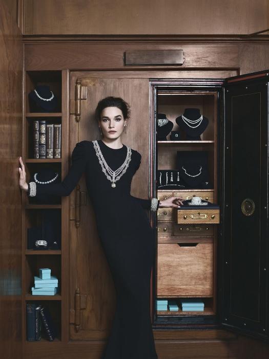 Вариация на тему маленького черного платья.