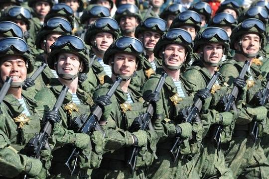 Россия направила на помощь Донбассу росгвардейцев?