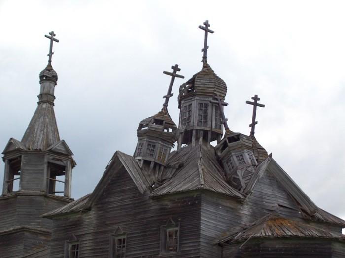 Сегодня многим деревянным церквям необходима реставрация.