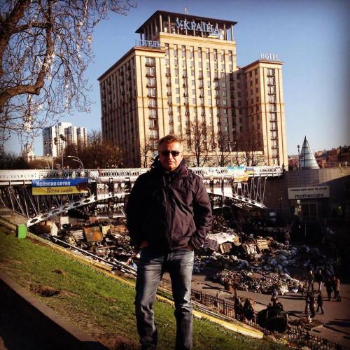 Леонид Агутин посетил баррикады в Киеве