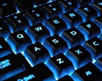 Ежемесячно кибермошенники крадут с карт доверчивых людей десятки миллионов