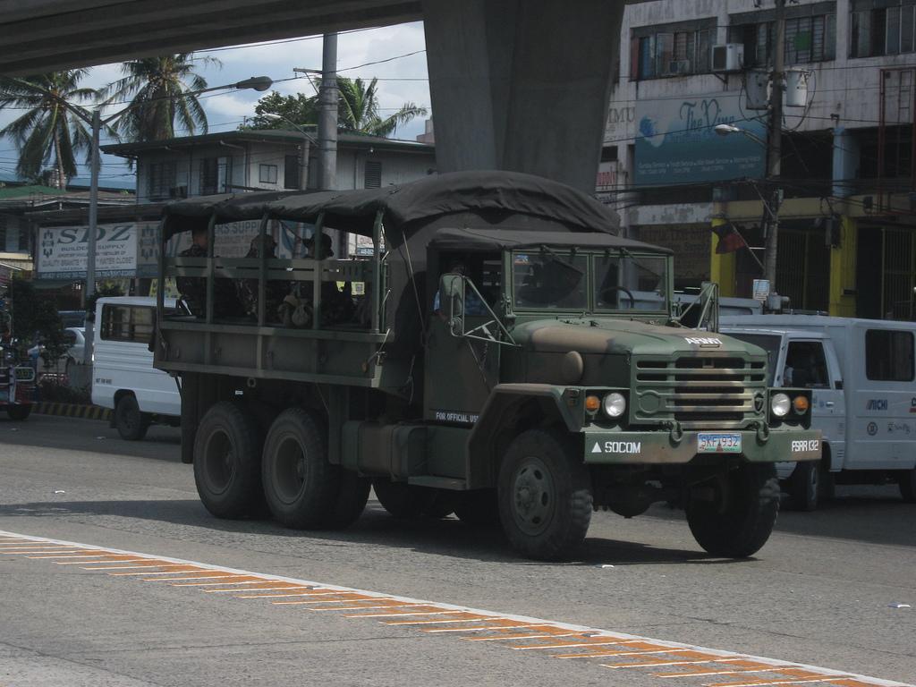 Филиппины закупают очередные 345 южнокорейских военных грузовиков